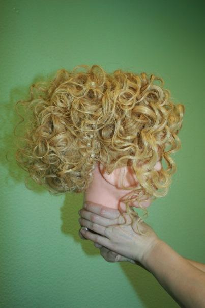 Прическа - полураспущеннные волосы. с косами. Работы ученико