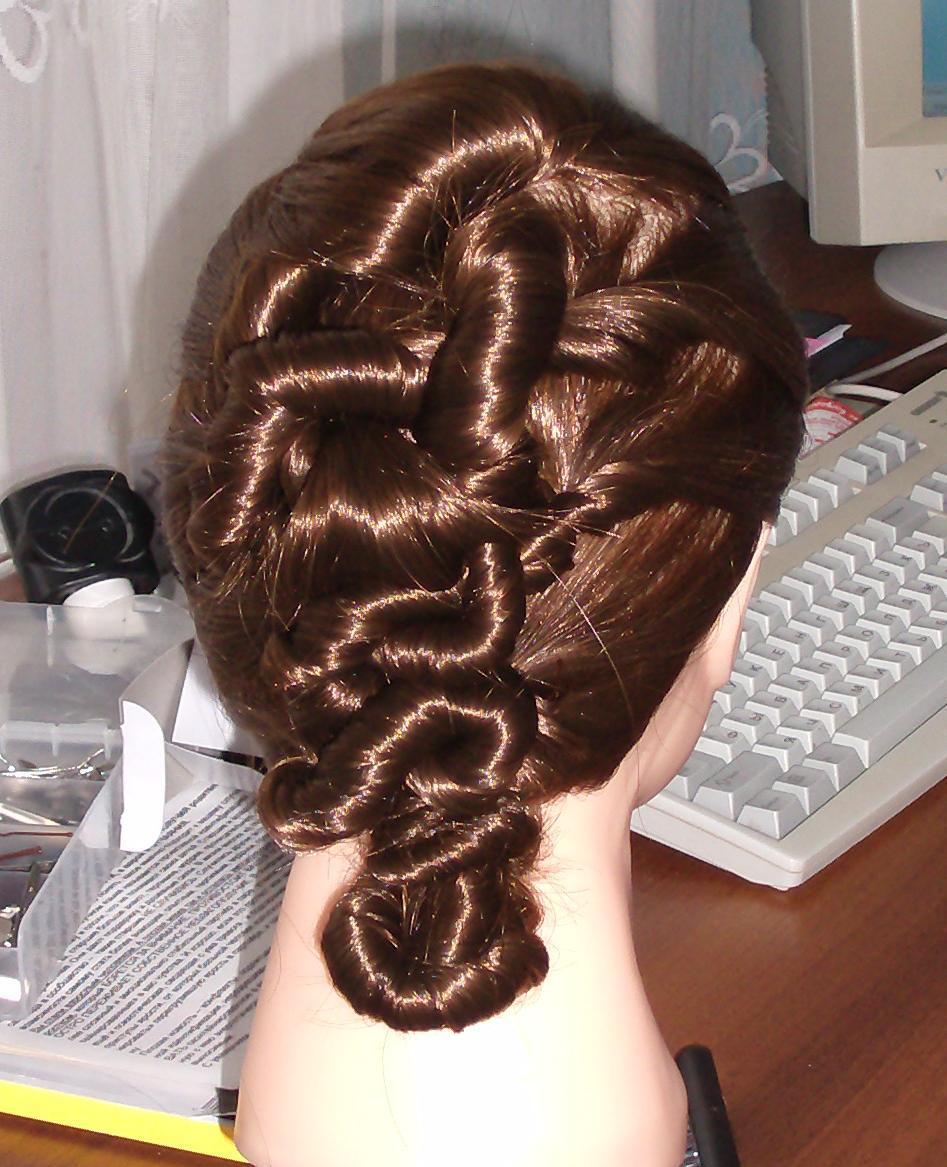 Причёски на манекене