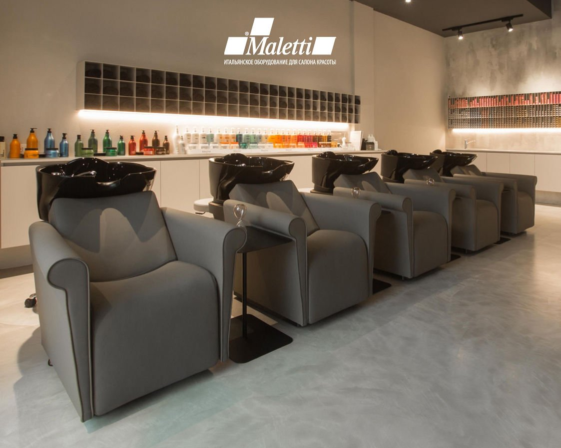 lord-nelson-salon-bn1.jpg